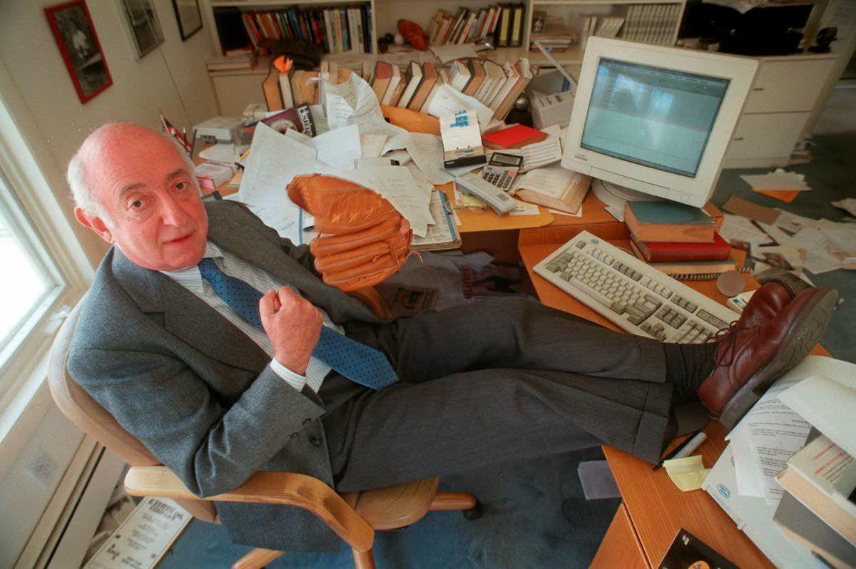Roger Kahn, elegant author of 'Boys of Summer,' dies at 92