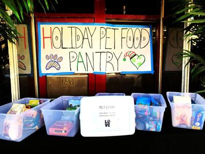 Pullman restaurant starts free pet pantry