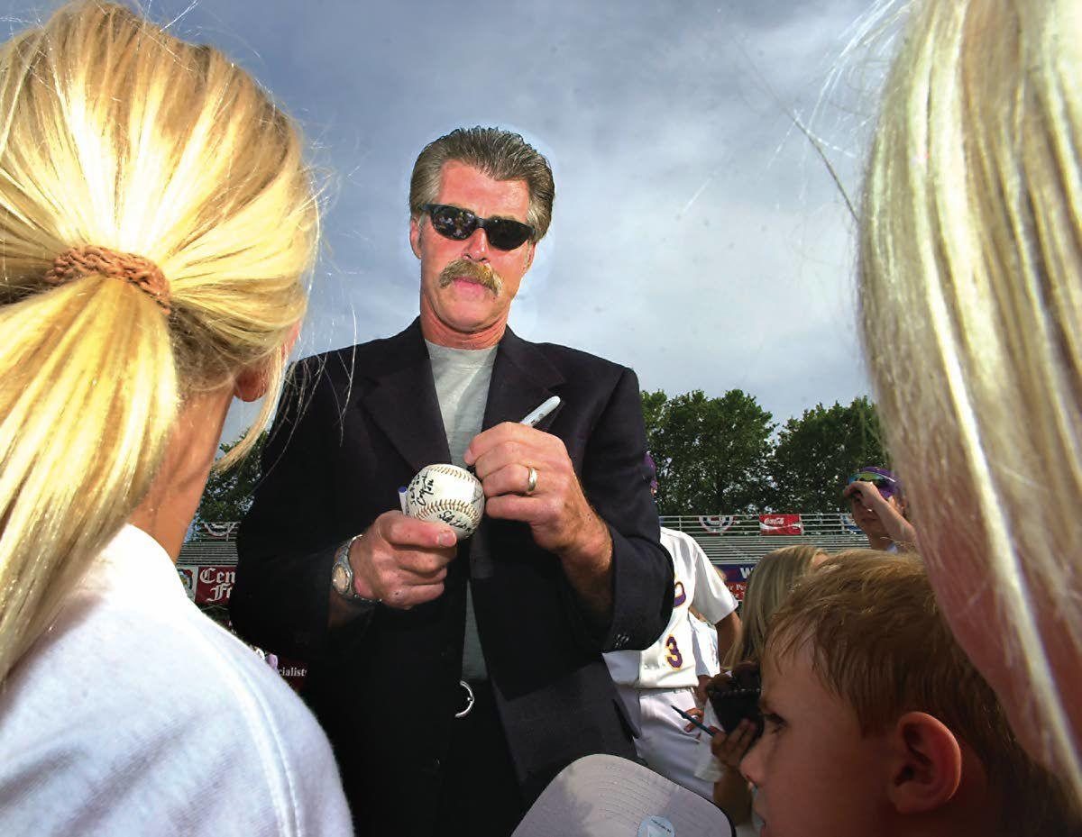 Buckner's message to players, fans at 2003 Series: Savor the moment