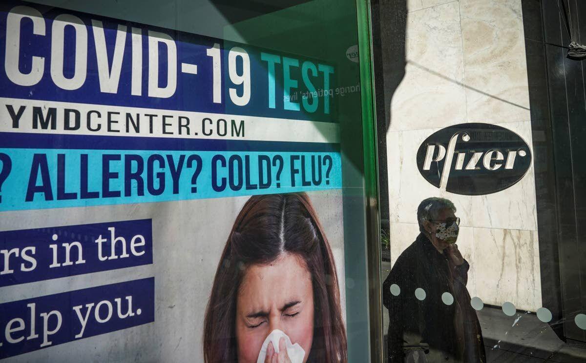 Biden advisers to meet vaccine firms as Trump stalls handoff
