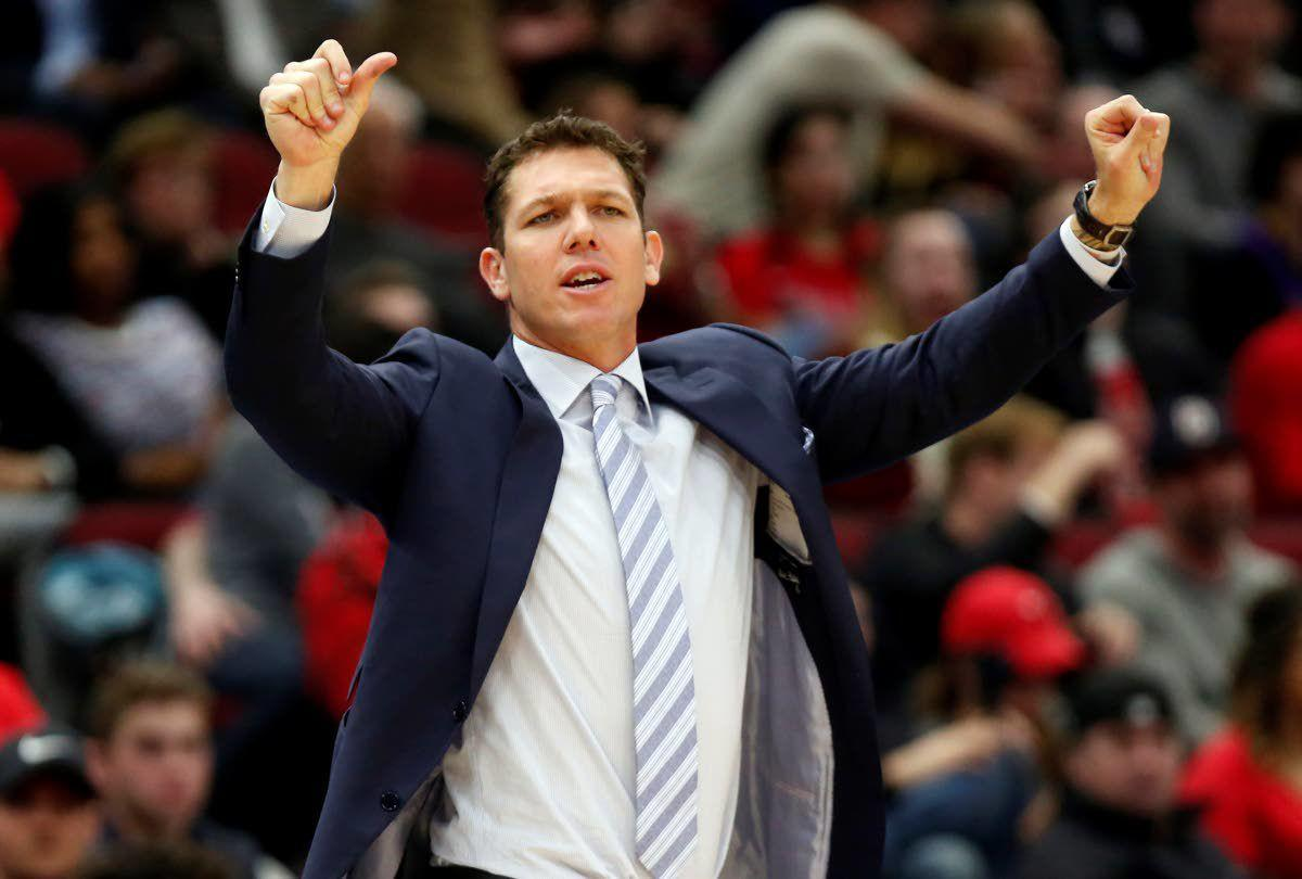 2a2d1aabf84 Luke Walton out as Lakers coach after 3 losing seasons