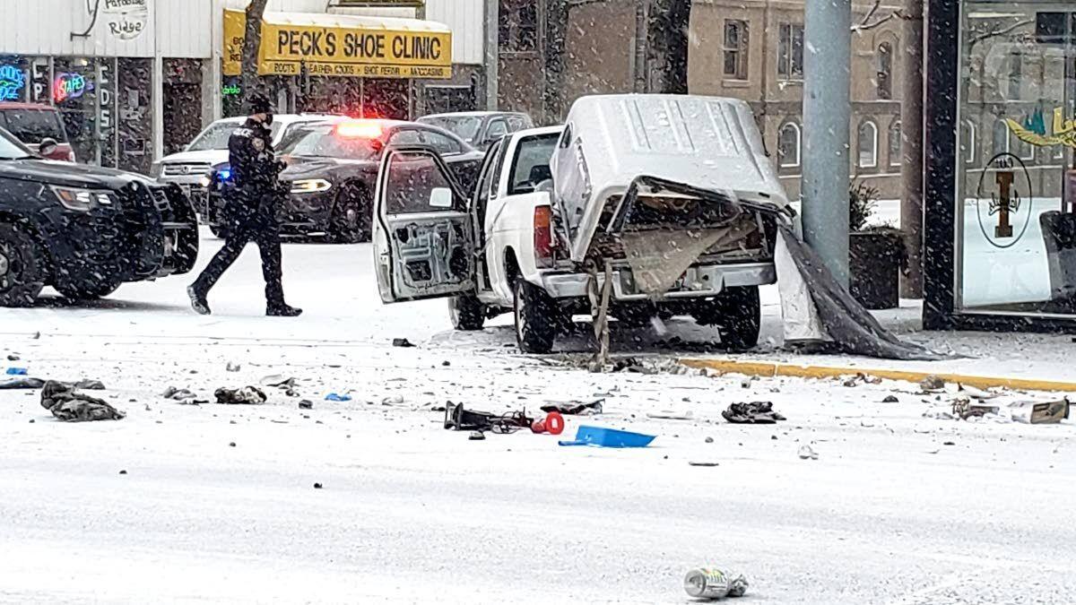 Moscow pursuit ends in crash, arrest