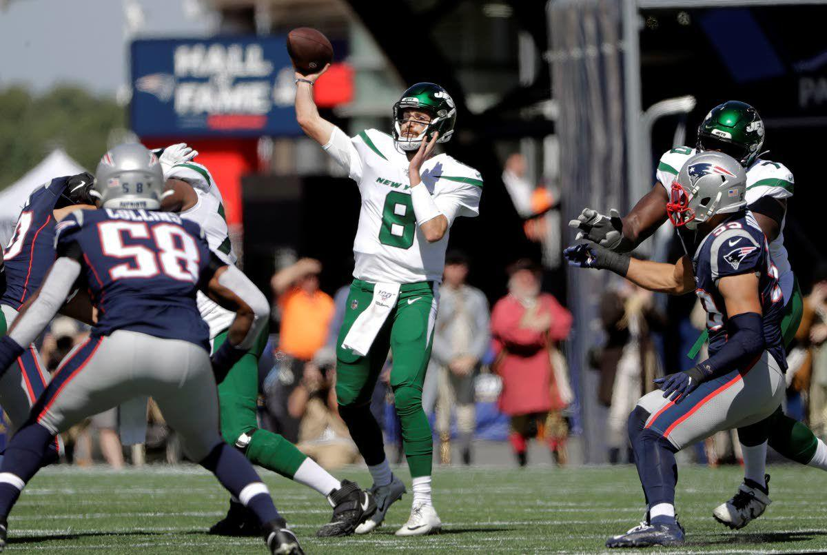 Pats cruise in Falk's first start for Jets