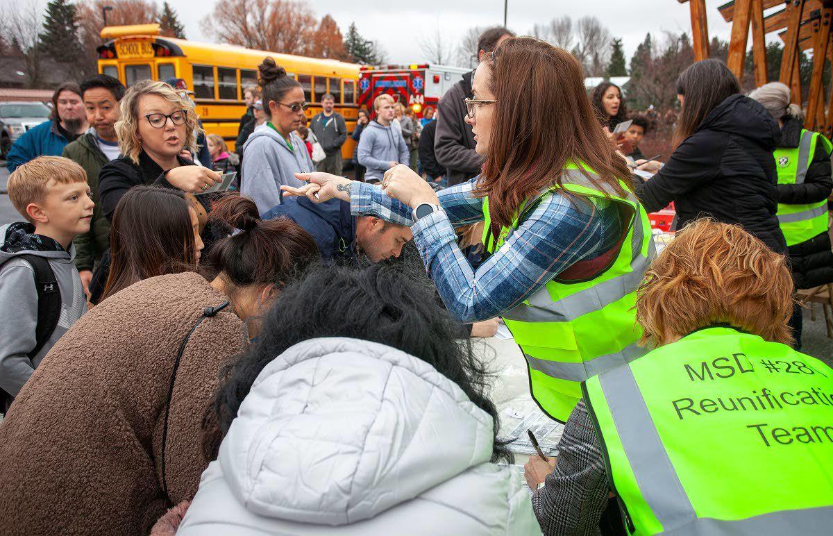 Bomb threat prompts middle school evacuation