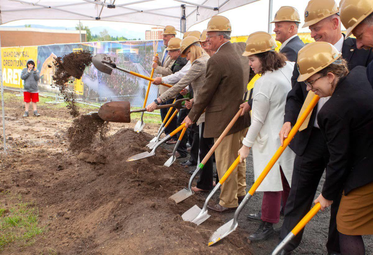Groundbreaking commences on arena