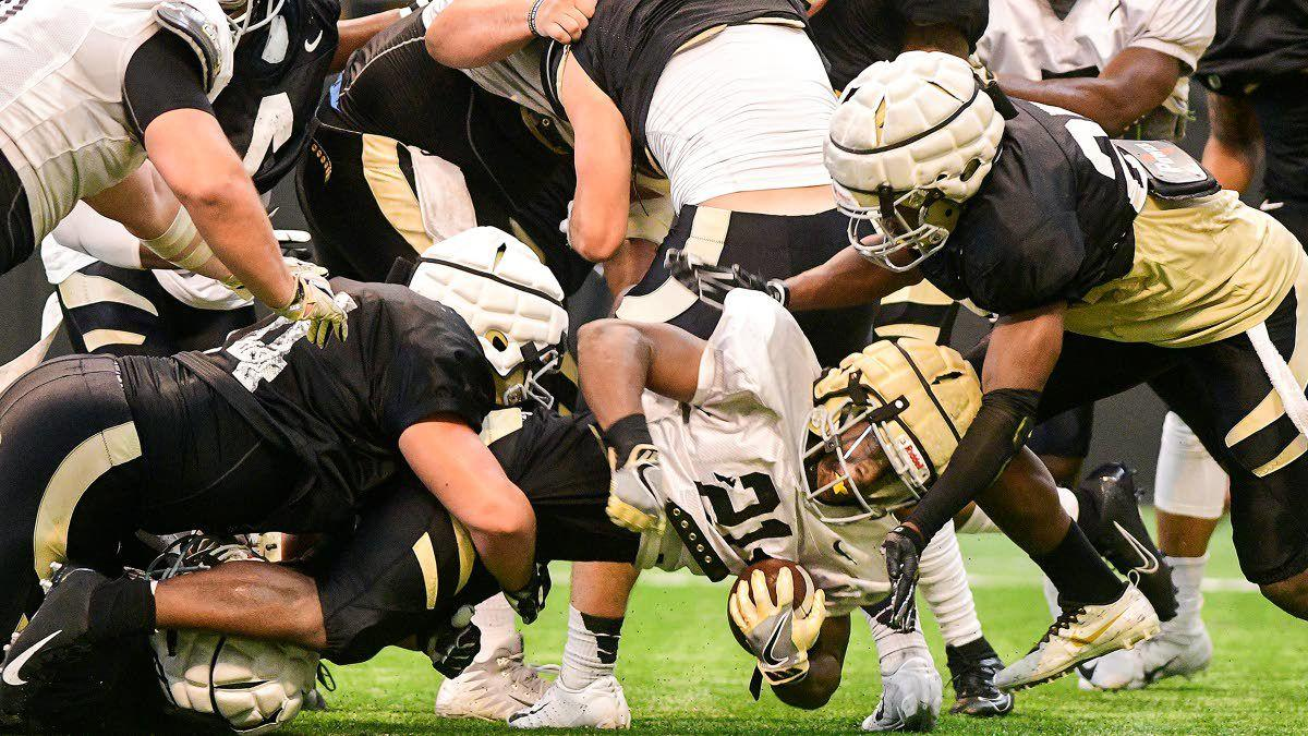 Idaho defense swarms in first scrimmage