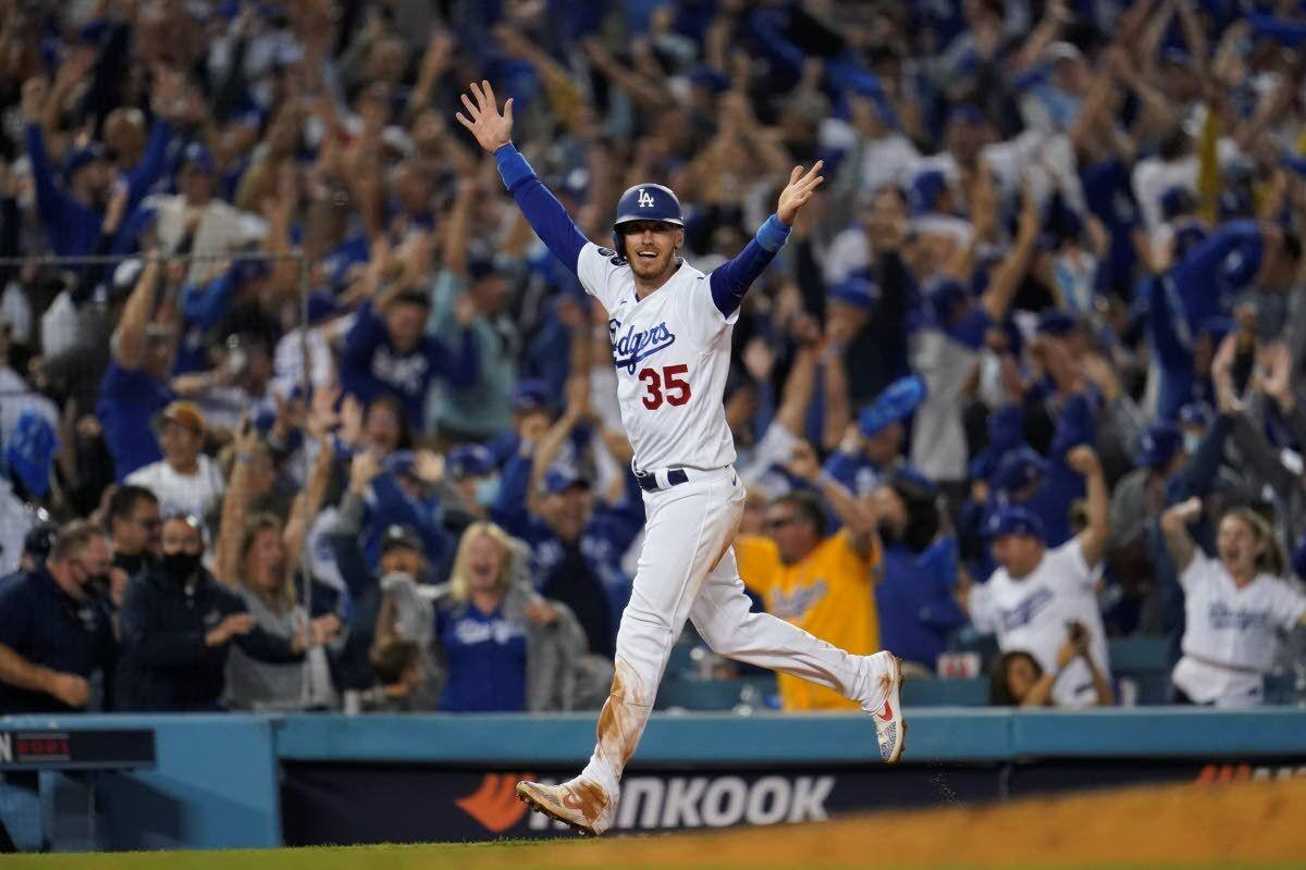 Taylor's walk-off HR lifts Dodgers to WC game win