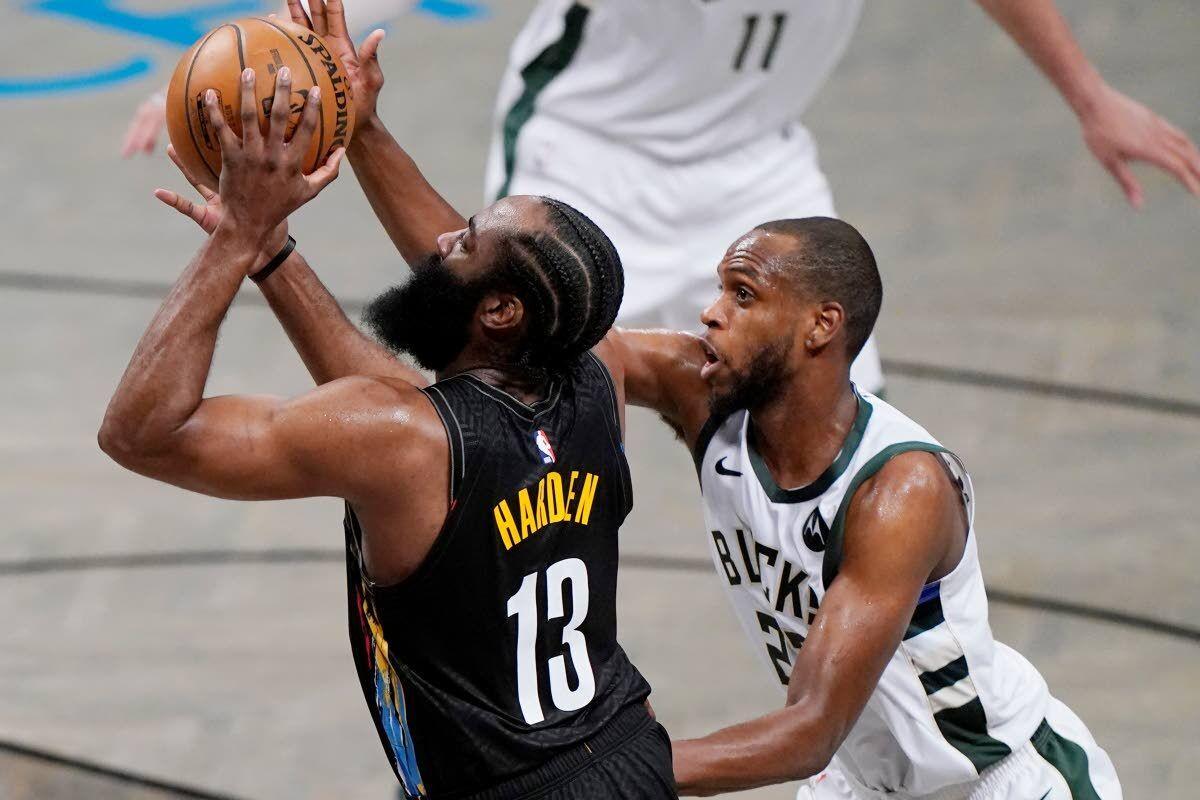 Durant amazes, Nets claim series lead