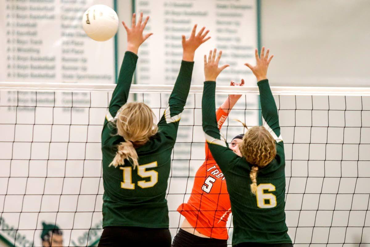 Trojans show they're still queens of the mountain in volleyball