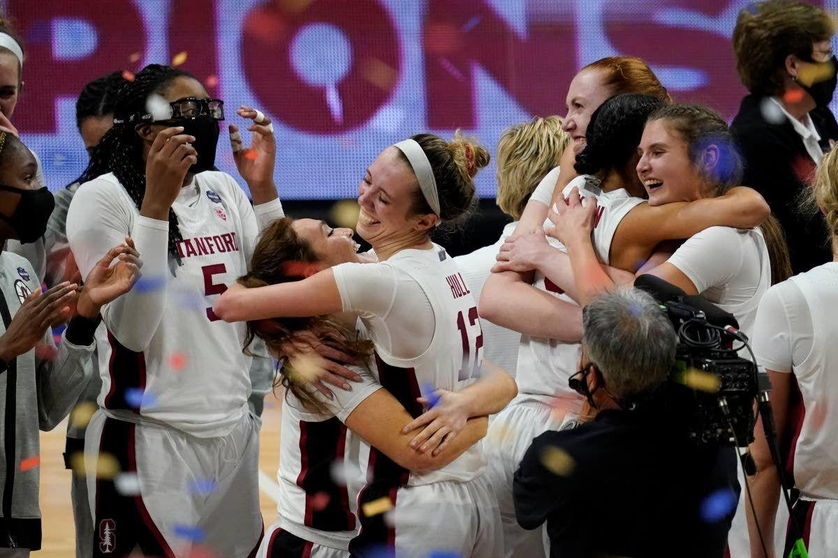 Stanford holds off Arizona to win women's NCAA title