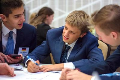 Moscow High club 'cleans house' at Model United Nations conference