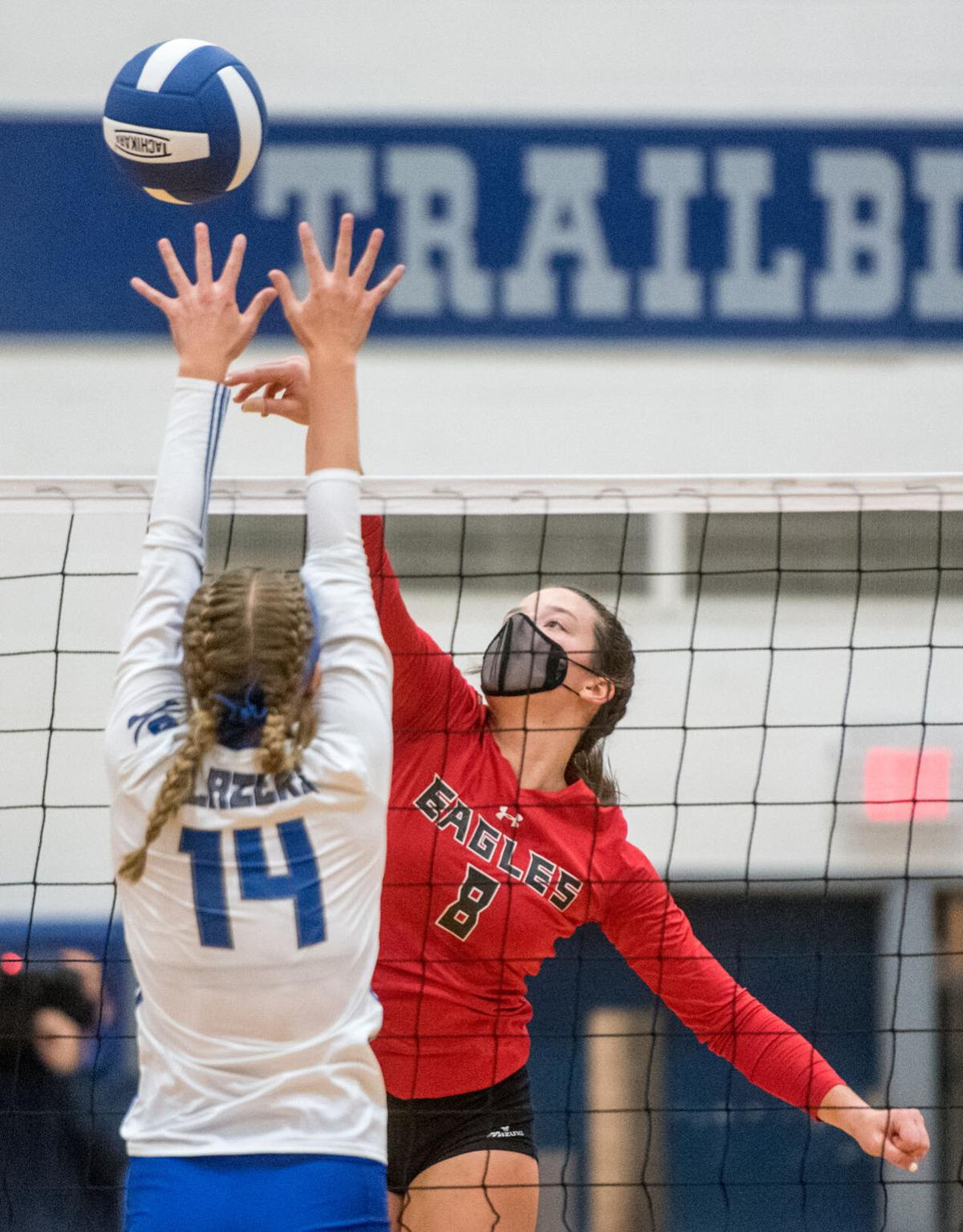 East Rock Volleyball Defeats Spotswood