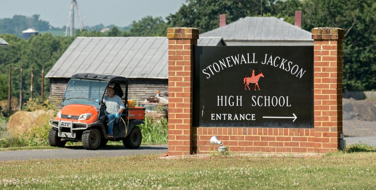 STONEWALL JACKSON HS4