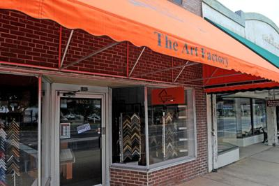 Store Awning Foiled By Gusty Winds News Dothaneagle Com
