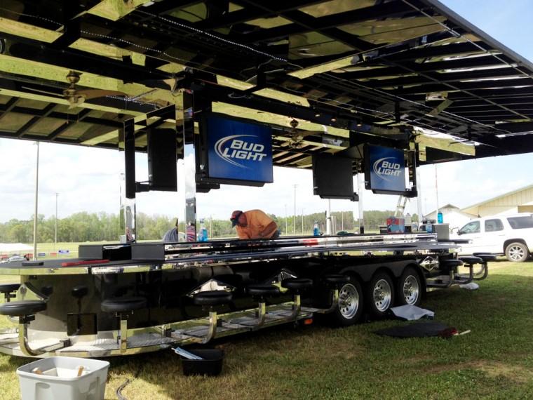 Bud Light Bar Toadlick | News | dothaneagle.com