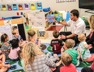 Coleman reads to preschoolers