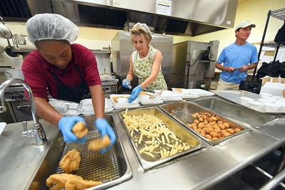 Meals On Wheels Feeds Residents Who Cant Cook For Themselves