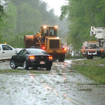 Storms leave power lines, trees down in southeast Alabama