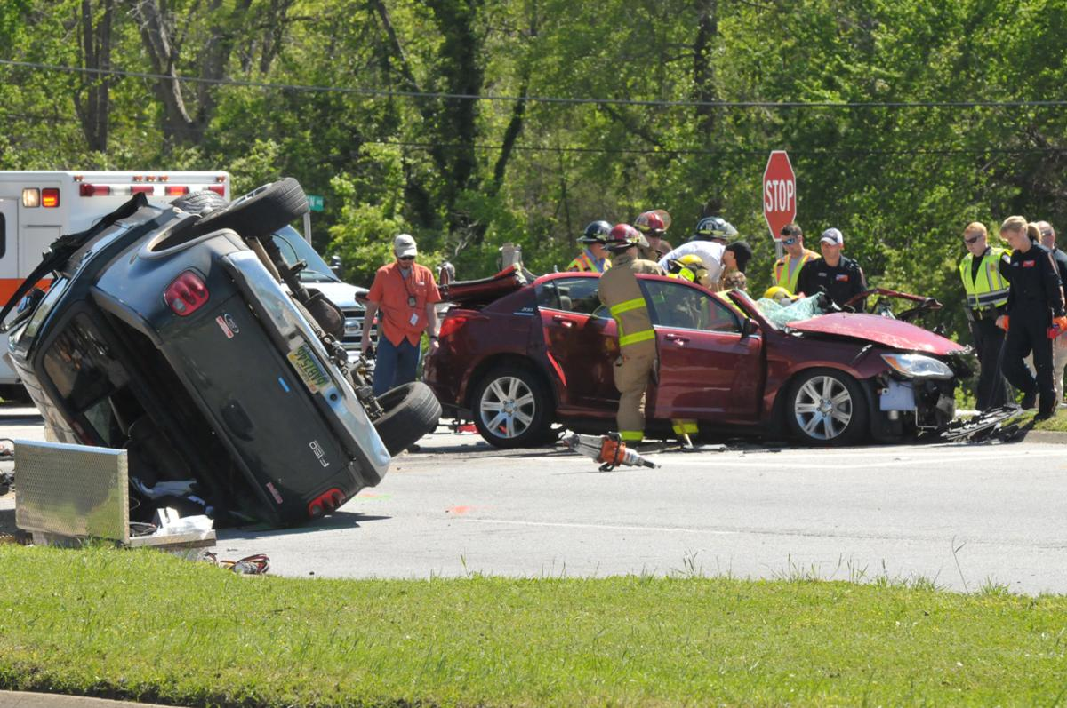 Three seriously injured in Eufaula wreck | Local