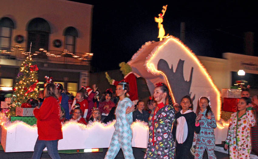 "Storybook Christmas Tree Festival 2020 Enterprise celebrates ""A Storybook Christmas"" | News | dothaneagle.com"