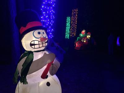 Gardens Aglow snowman