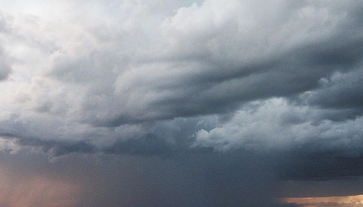 dot generic Storm generic