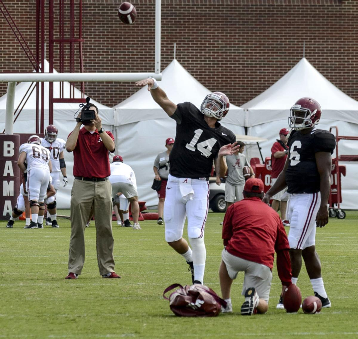 Tide Qb Situation Still Up In The Air University Of Alabama Sports