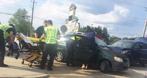 Authorities respond to wreck on Boll Weevil Circle