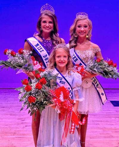 2020 Miss Dothan and her court