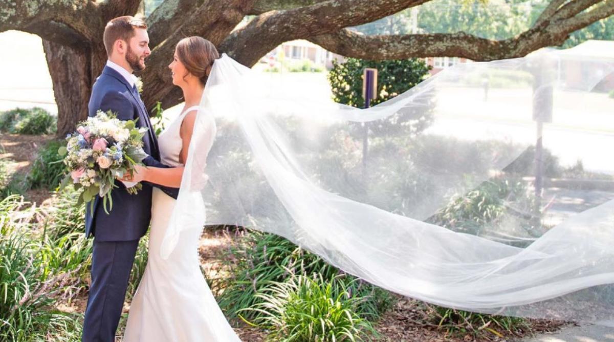 2020 Bridal cover