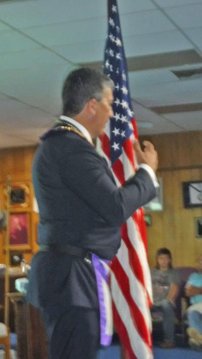 Gomez makes presentation to Douglasville Lodge 289