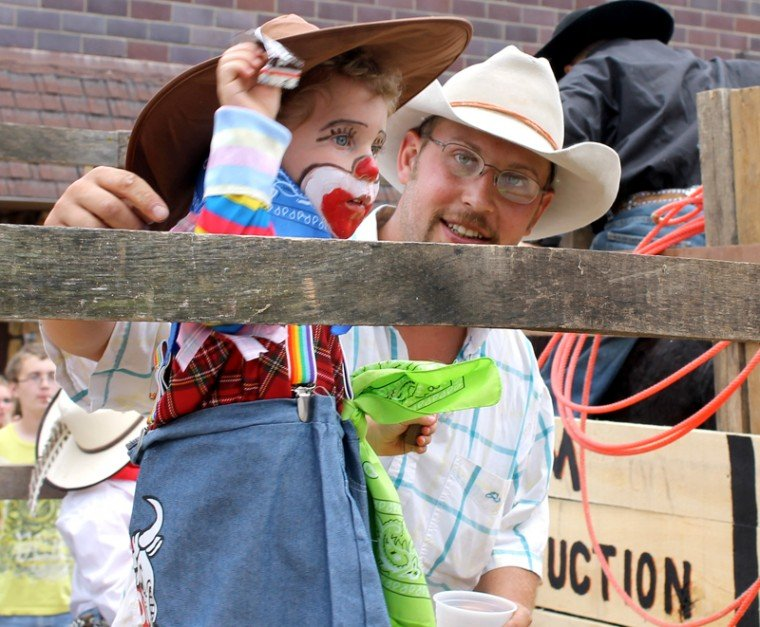 Edgewood Rodeo Celebrates 25 Years Dyersville Commercial