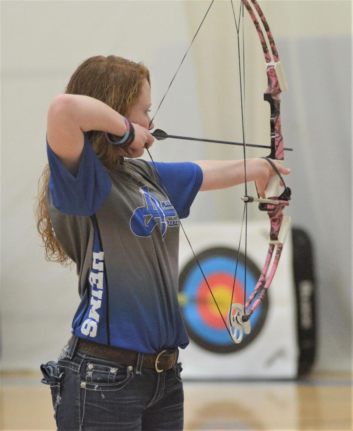 Ana Archery-Heims 2.JPG