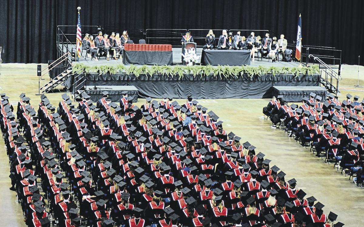 Linn-Mar graduation 1