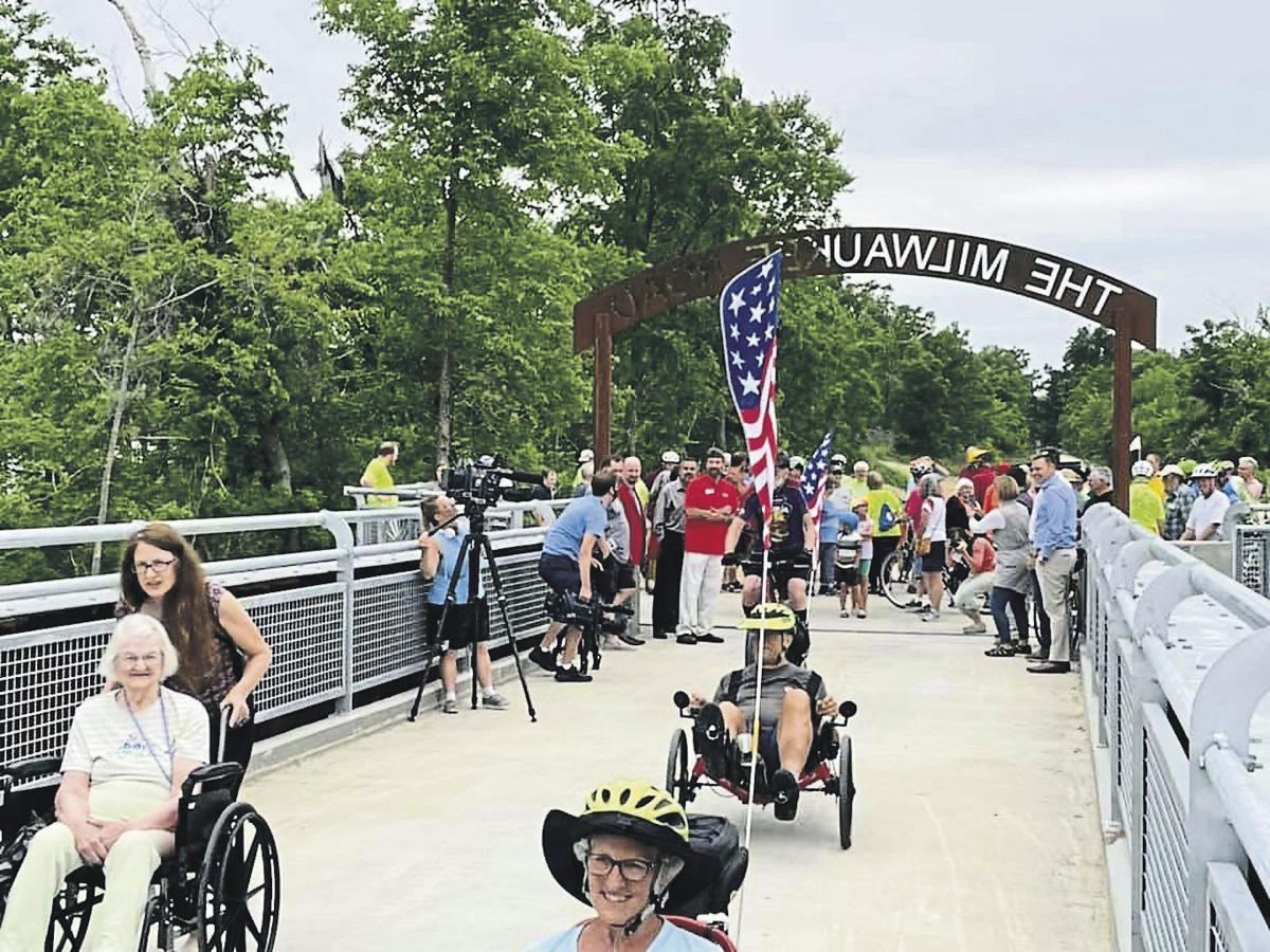Bikers and walkers blaze across new CeMar bridge