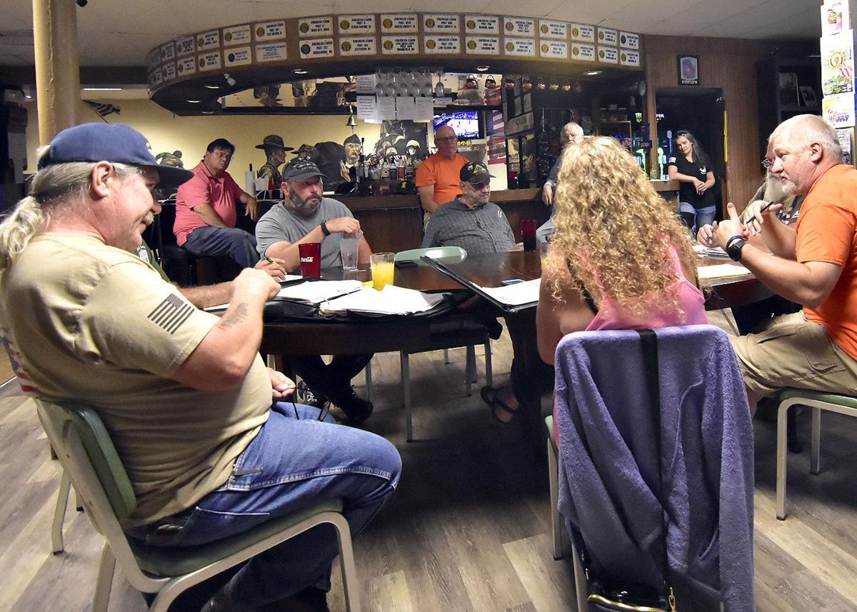Moving Wall committee members meet