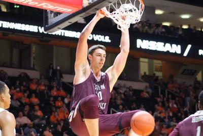 EKU Nick Mayo dunks against Tennessee