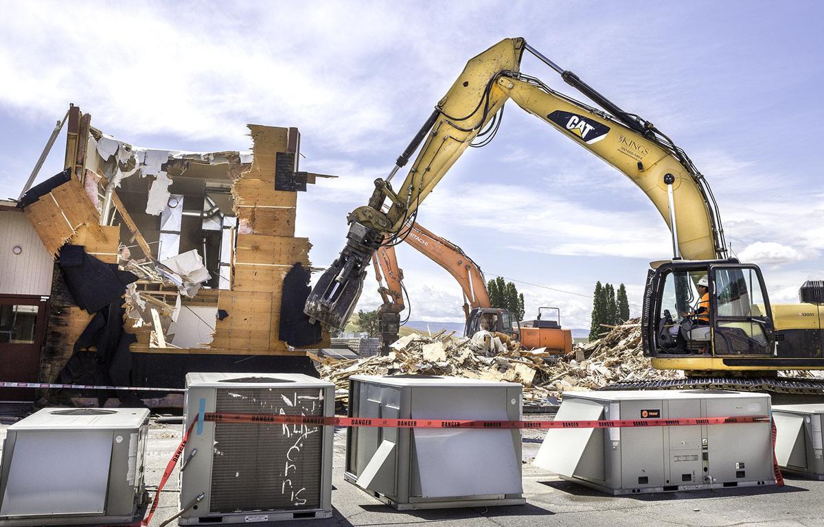 Demolition attracts nostalgia