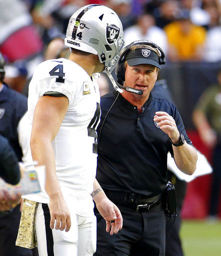 Raiders coach Gruden downplays sideline argument with Carr