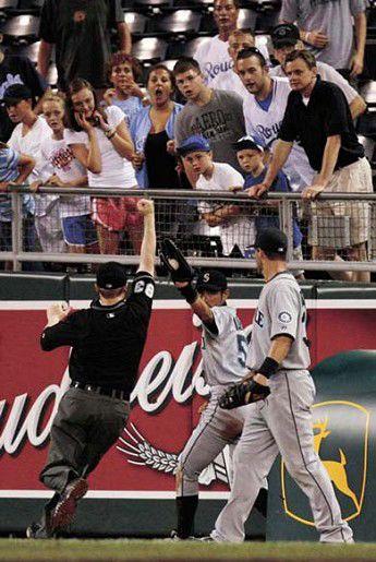 Ichiro saves day for Seattle