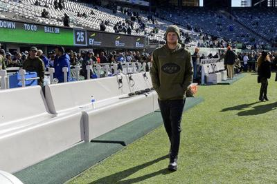 Jets QB Darnold suits up for practice, but sits out again