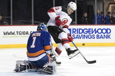 Greiss stops 35 shots, Islanders blank Devils 3-0