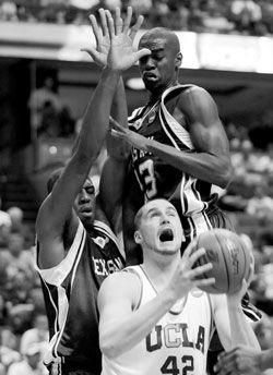 UCLA?survives near upset; Duke not so lucky