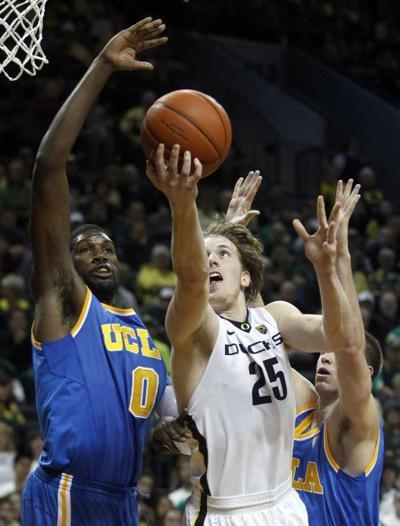 Oregon erases big deficit to beat UCLA