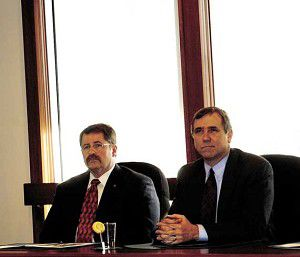 Merkley stands up for stimulus