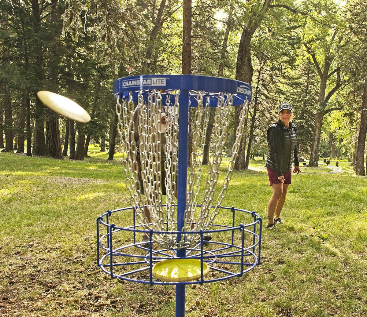 Disc Golf approaching the hole