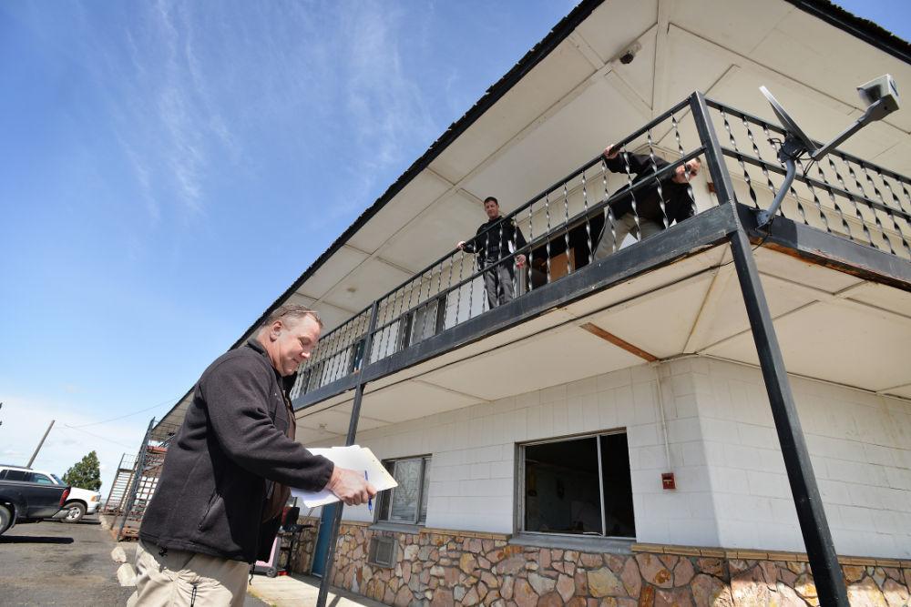 Sheriff starts process of shuttering Rodeo City Inn