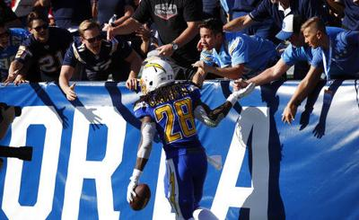 Chargers' Gordon week to week after MCL sprain to right knee