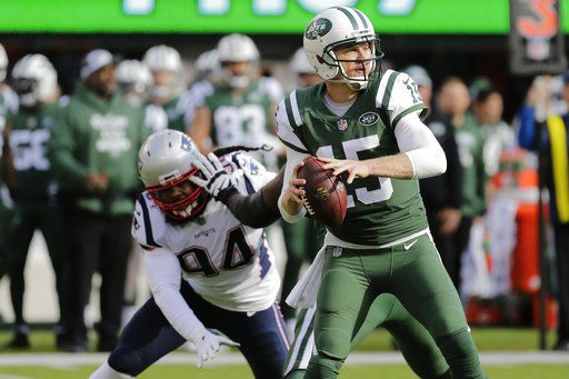 Jets' McCown has sore thumb, Darnold uncertain to practice