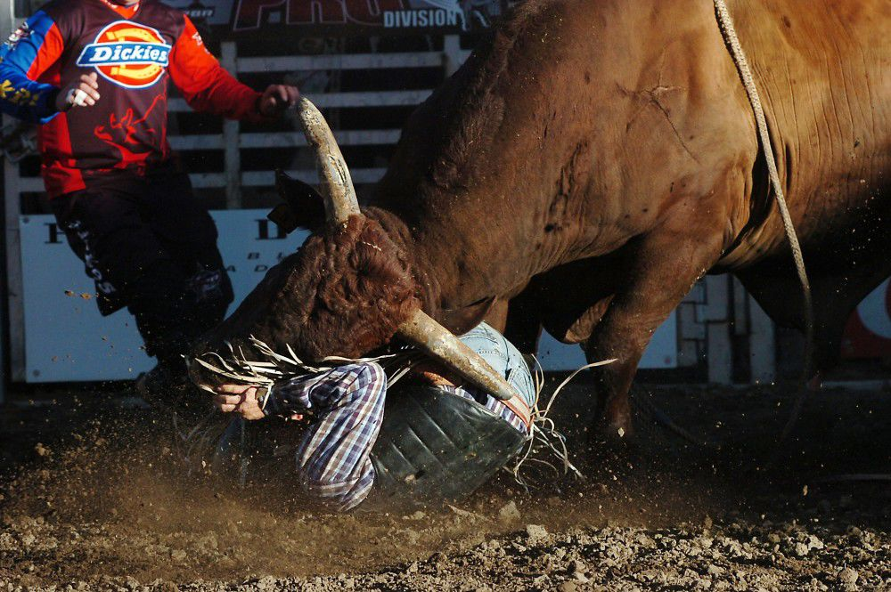 Crunch time: Injured bull rider tops first round filled with spills